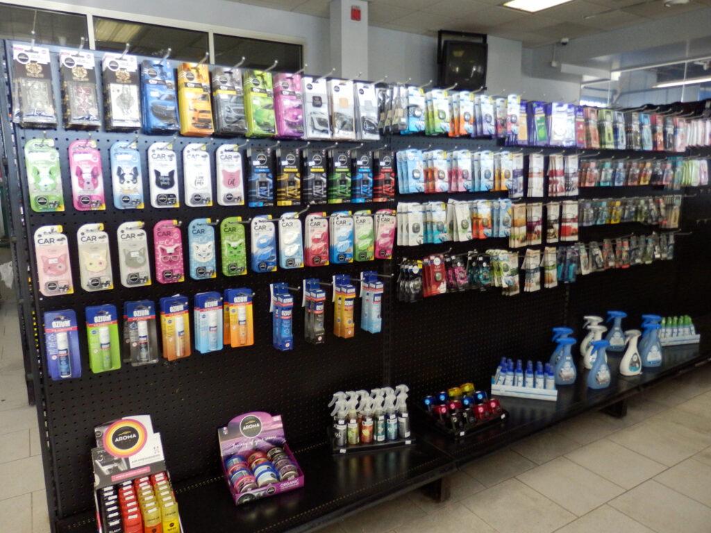 gas-station-lobby-02